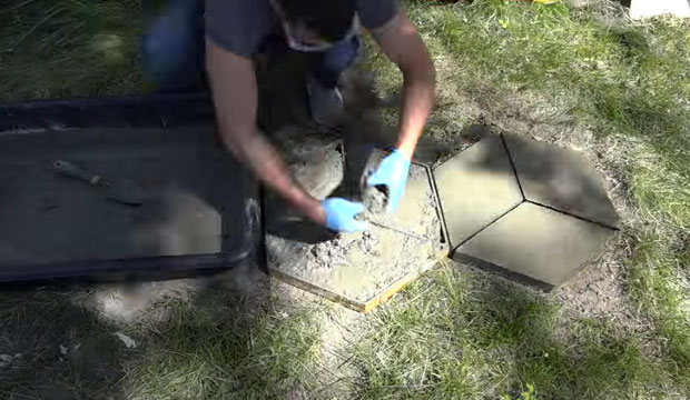 How to create your own concrete form