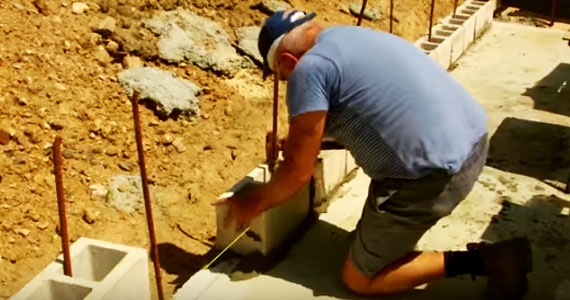 Step-by-step construction tips for concrete block wall construction