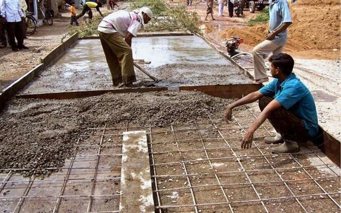 Impact of impurities in water on concrete properties