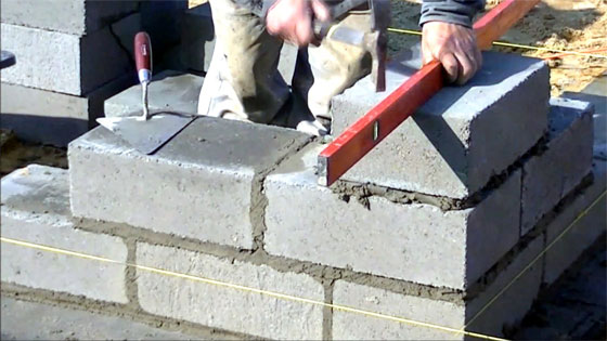 How to make perfect bricklaying foundation walls